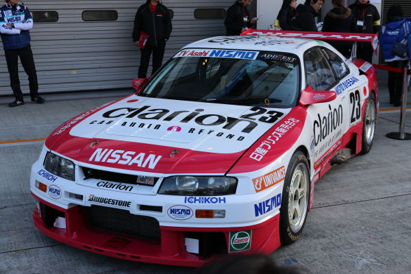 ルマン24時間耐久レースを走ったR33型GT-Rの写真