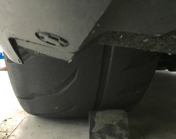 R35GT-Rのリヤタイヤの写真