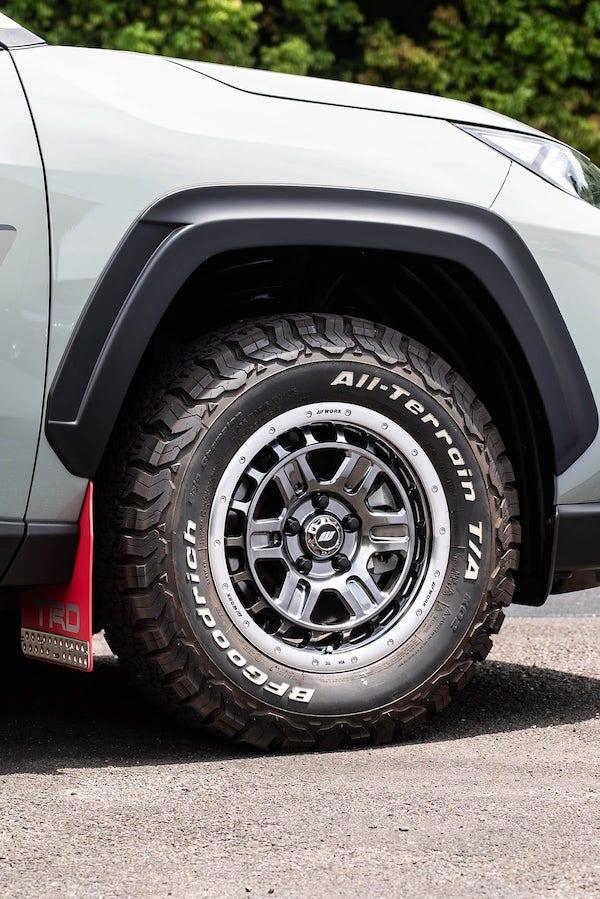 235/70/R16インチのタイヤがわかる写真