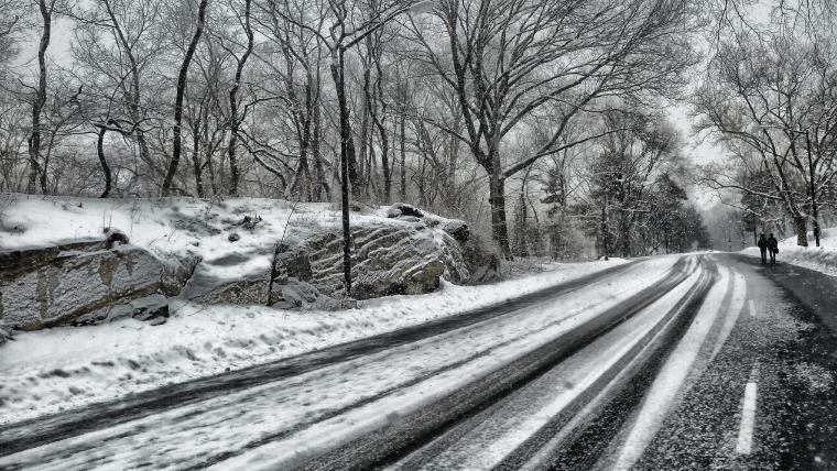 国土交通省がタイヤチェーン装着を義務化した道路のイメージ画像