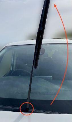 C27型セレナの助手席のワイパーゴム交換の写真2