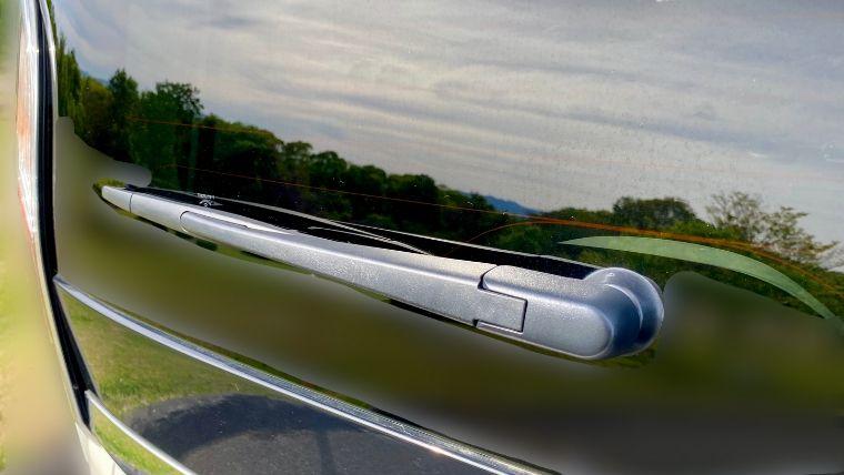 C27型セレナのRRワイパーゴム交換の写真6